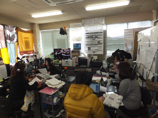 DSCF0283(市庁舎内の一室にある臨時災害放送局・南相馬ひばりFM).jpg