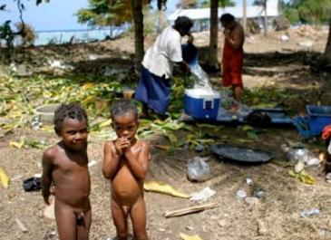 ギゾ島のティティアナ村 被災地の子ども (筆者提供)